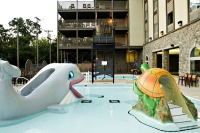 Local attractions castle rock resort water park branson mo for Local swimming pools with slides